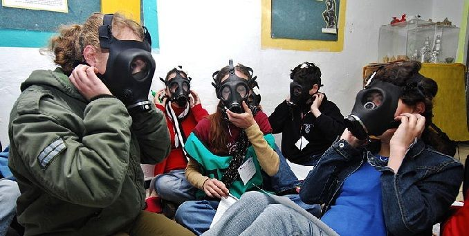 Israeli Gas Mask Distribution Ramps Up Amid Syria Escalation, Suspected Chemical Weapons Use
