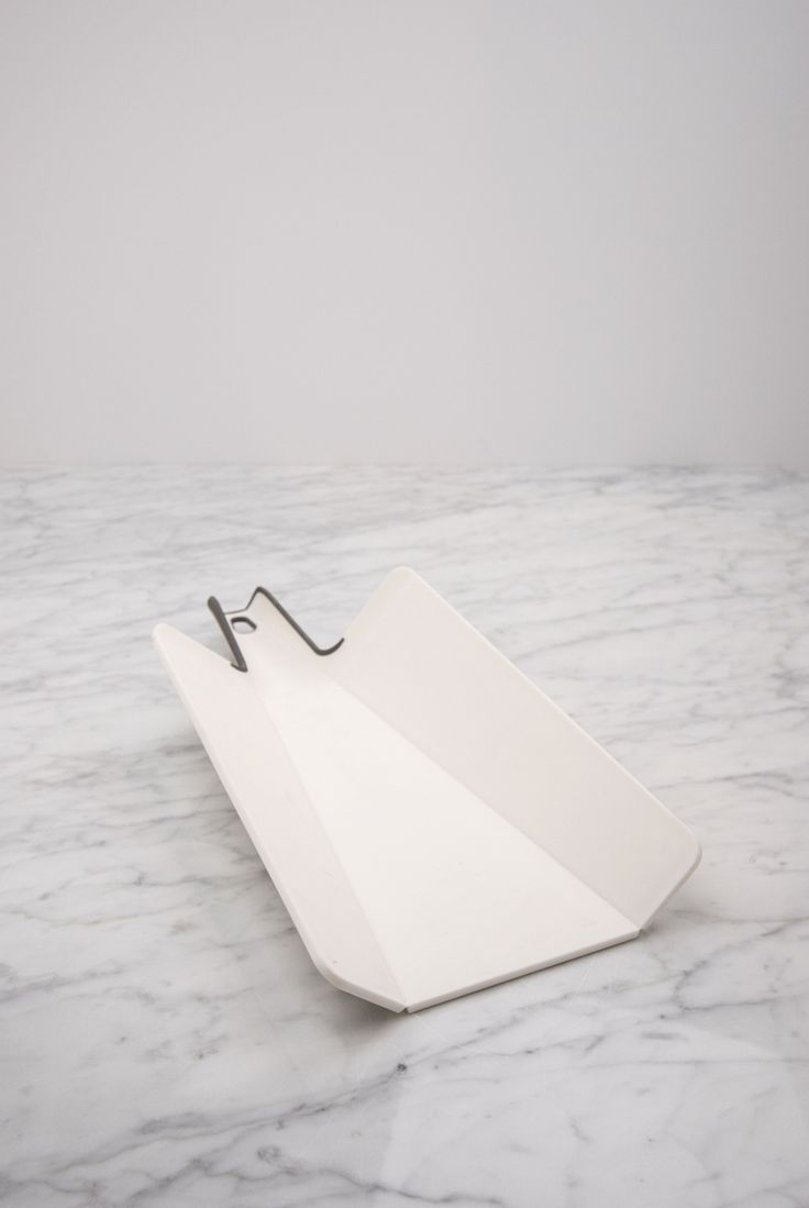 abla de cortar plegable. Hecha en polipropileno resistente a los cortes. Lavable en lavavajillas. Medidas: 38 cm x 22 cm (largo x ancho). #Menaje #Cocina