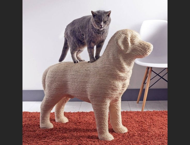 Netherlands-based designer Erik Stehmann is your cat's best friend. He's designed a scratching post that every kitty dreams of getting their claws into. Th