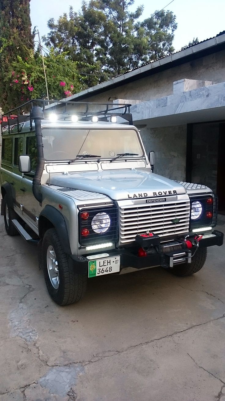 Jbk land rover my ride bespoke defender 300tdi 2007 110 with drls off road roof smds