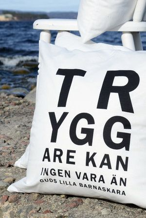 Kuddfodral av 100 % Öko-tex-lin. Finns hos www.flatebo.se