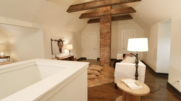 Upstairs flex space