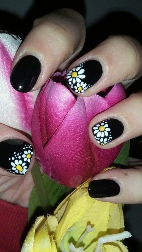 Dark spring! Daisies nail design (Pinterest inspired)