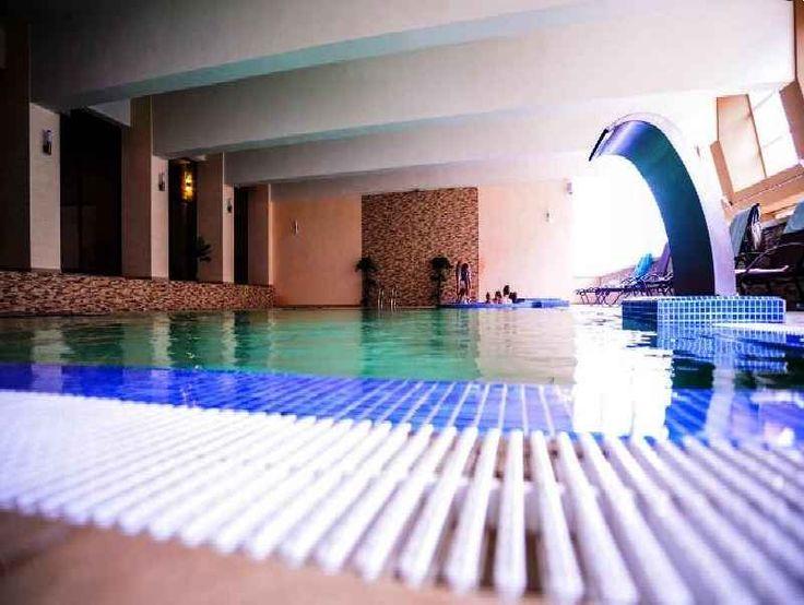 Hotel Afrodita Baile Herculane, cazare minim 5 nopti in dubla cu mic dejun bufet suedez, consultatie medicala specializata, tratament 3 proceduri/zi/persoana