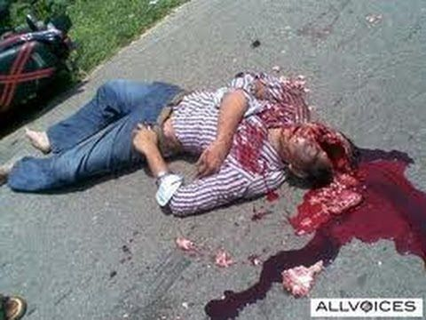TRAGEDI - TRAGEDI KECELAKAN YANG SANGAT MENYERAMKAN DI JALAN RAYA  http://play-offline.blogspot.com/2013/06/blog-post_5723.html