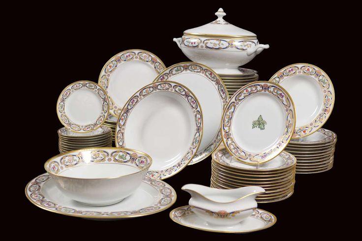 LOT 6 Cartier Limonges porcelain dish service (66), France 1986