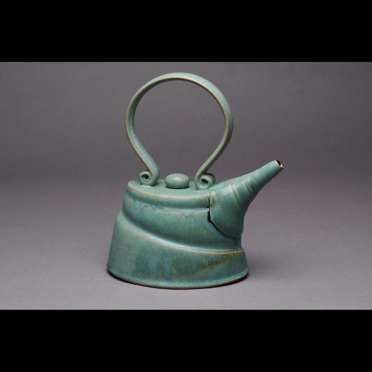 Teapot by Yael Shomroni Pottery