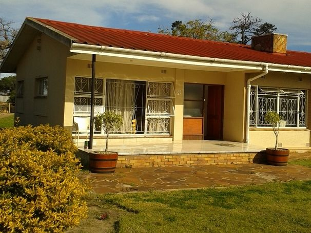 House in Pacaltsdorp. This free standing house consists of 4 bedrooms, lounge, TV room, large kitchen, laundry, 2 outbuildings and a two room flat.  All of this is on a 3707m^2 plot. Lots of potential!!  Currently used to house 18 students!! Contact me today for the opportunity to own this property that is full of potential!! Francois Havenga 084 627 6602 Francois.havenga@seeff.com
