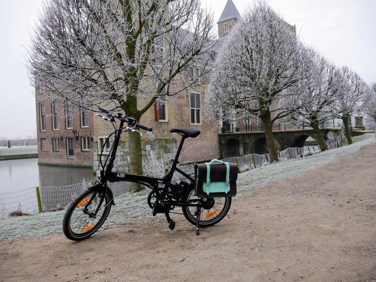 A2B elektrische vouwfiets met Hill & Ellis fietstas.