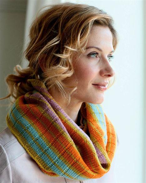 Strik selv: Halsrør i feminine farver - Hendes Verden