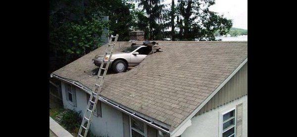Auto's vallen uit de lucht