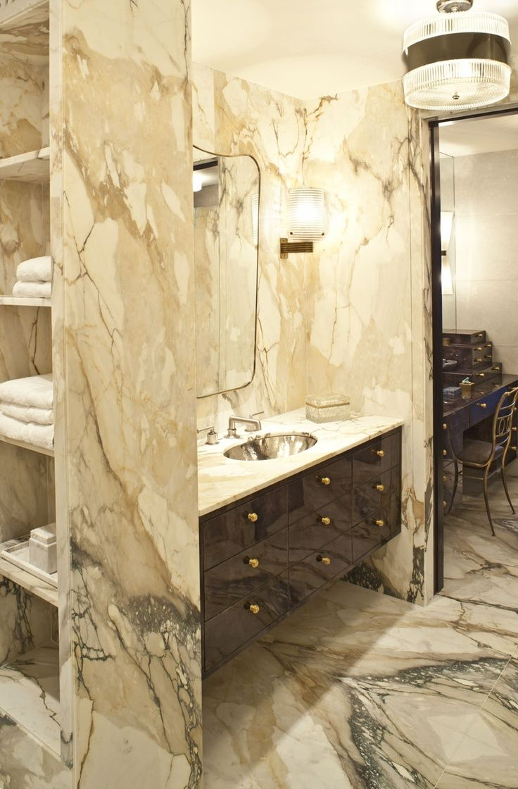 Beautiful traditional bathrooms - Designer Kelly Wearstler S Ultra Glam Beach House Has A Bathroom Full Of Marble