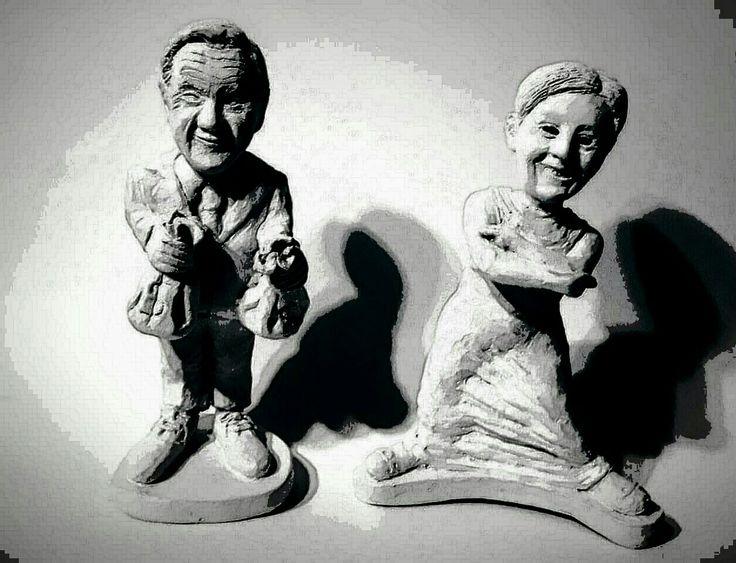 Piñera y beatriz sanchez en cerámica en frío. Sin pintar.