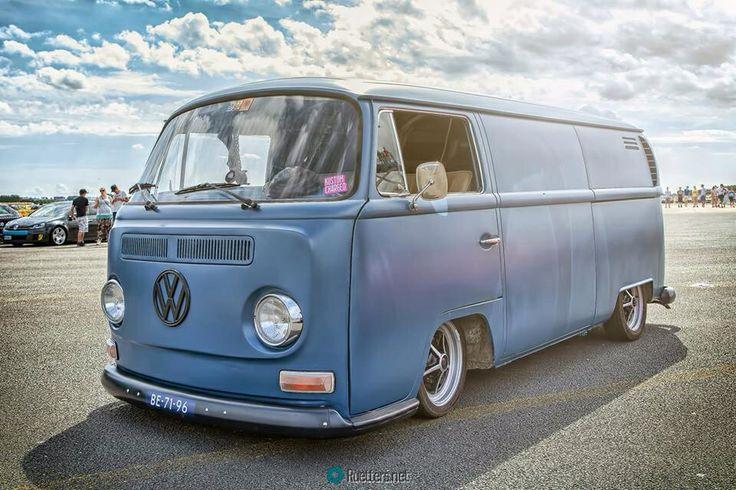volkswagen t2 bay window furgos pinterest bays volkswagen and window. Black Bedroom Furniture Sets. Home Design Ideas