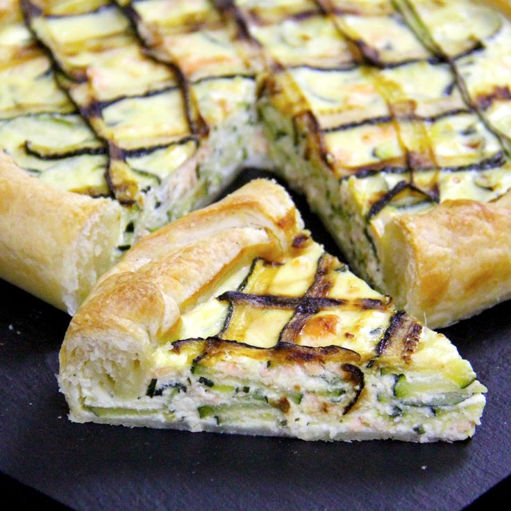 Torta salata con salmone, ricotta e zucchine