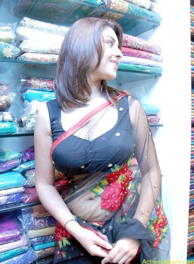 Richa Gangopadhyay Hot Navel and Blouse stills