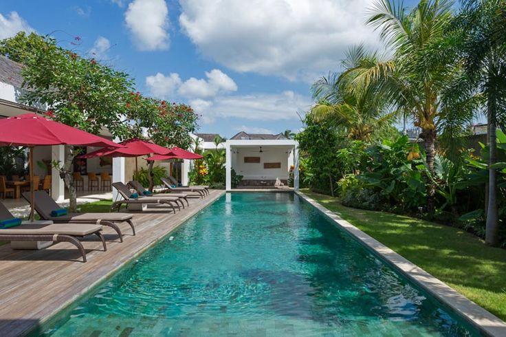 Casa Brio een luxe 4 slaapkamer vakantievilla met privé zwembad en butler, ideaal voor gezinnen en vrienden te Seminyak Bali Indonesië