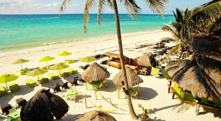 Hotel Colibri Beach in Playa del Carmen. This small cute hotel is on the beach in downtown Playa del Carmen. The hotel is only 1 block from the 5th Avenue. #PlayadelCarmen #Travel #Mexico #RivieraMaya