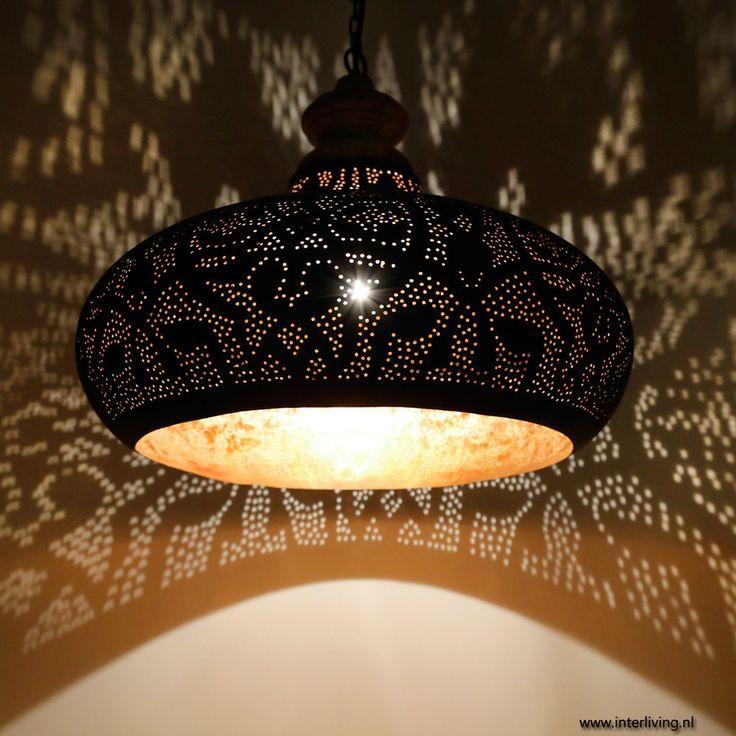 Industriele lamp in filigrain design, metaal mat zwart & verweerd goud met hout afwerking