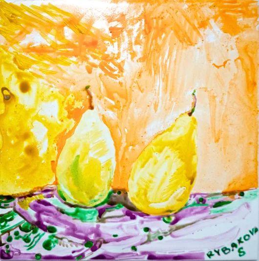 """Натюрмор """"Груши"""" Сладкие груши позируют художнику и провоцируют его на не очень хорошие действия, чтобы он не удержался и насладился  вкусом фруктов и не успел закончить работу :) Детская тематика Керамическая плитка для кухни и ванной комнаты 20X20  Краска по керамике Комментируйте, плюсуйте, задавайте вопросы, заказывайте :) #натюрморт #груши #керамическаяплитка #рисование #сюжет #ваннаякомната #кухня #изо #рисуемнаплитке #рисованиенаплитке #рисованиенакерамике #плитканакухню"""