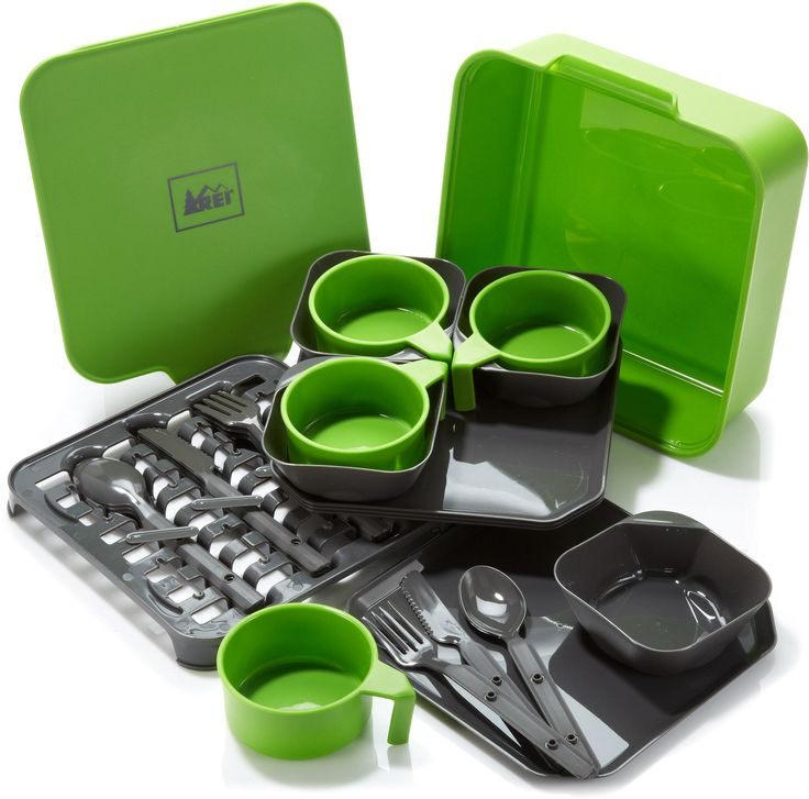 The REI Nesting Tableware set is perfect for family getaways and group outings. #REIGifts