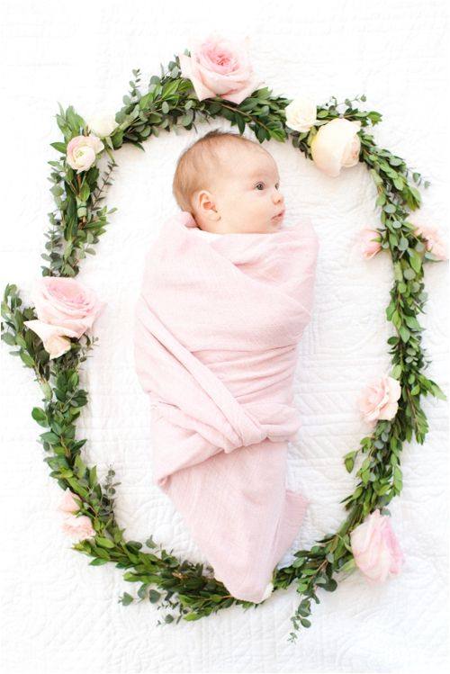 At home newborn session by Deborah Zoe Photography. : les fleurs : baby wreath