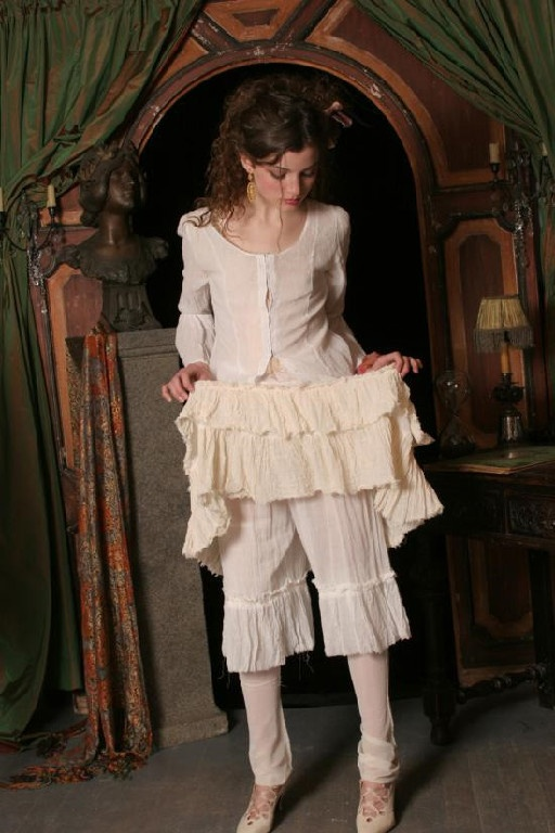 victorian bloomers  Victorian Wedding  Vintage inspired outfits Nightgowns for women Moon