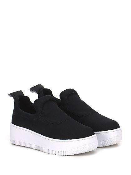 Windsor Smith - Sneakers - Donna - Sneaker in tessuto tecnico con logo su retro e suola in gomma. Tacco 50, platform 40 con battuta 10. - BLACK