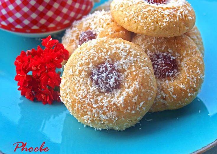 Μπισκότα με ινδοκάρυδο και γλυκό κεράσι
