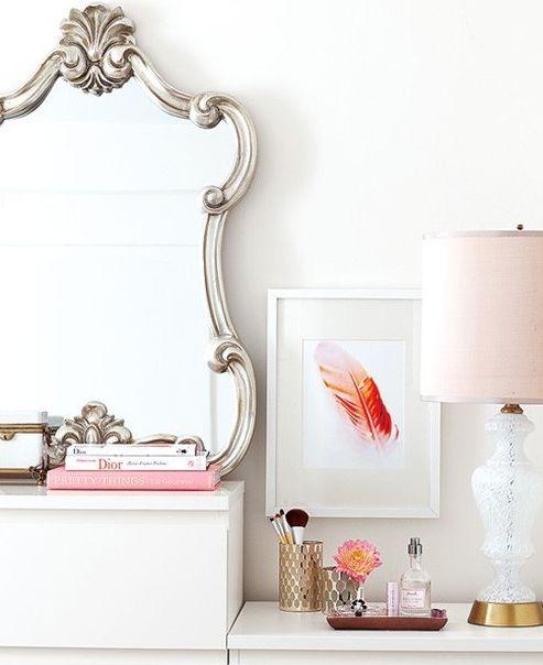 ,: Lamps, Feathers Art, Mirror Mirror, Idea, Vanities, Interiors Design, Mirrormirror, Dressers, Vignette