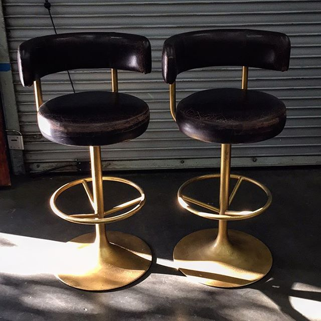 "How does one say sleek in Swedish? ""Jupiter"" brass and original leather barstools by Borje Johansson...Markaryd, Denmark c.1960's.  Stunning. $1500/pair (beats $4200 online)••• #börjejohansson  #20thcentury #20thcenturydesign #sweden #johansondesign #swanky #grownupfurniture #wertzbrothers #theresnoplacelikewertz #losangeles #since1931"