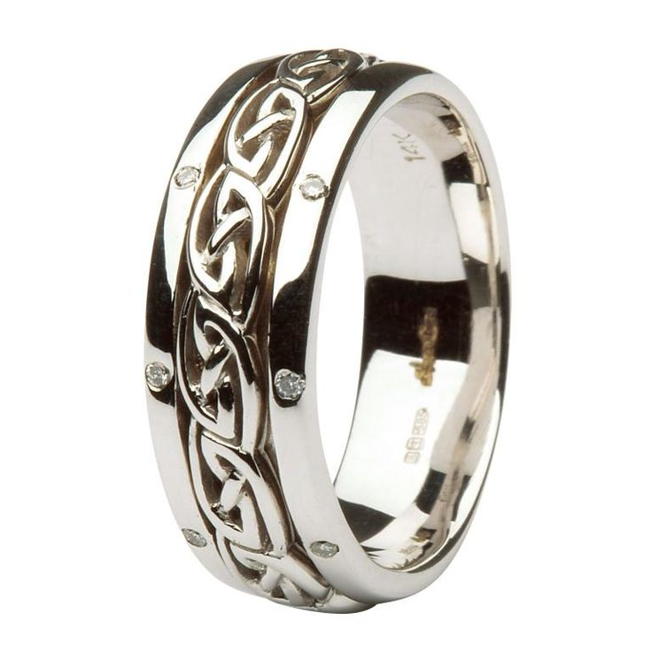 Celtic Wedding Ring - Celtic knotwork Diamond Wedding Ring
