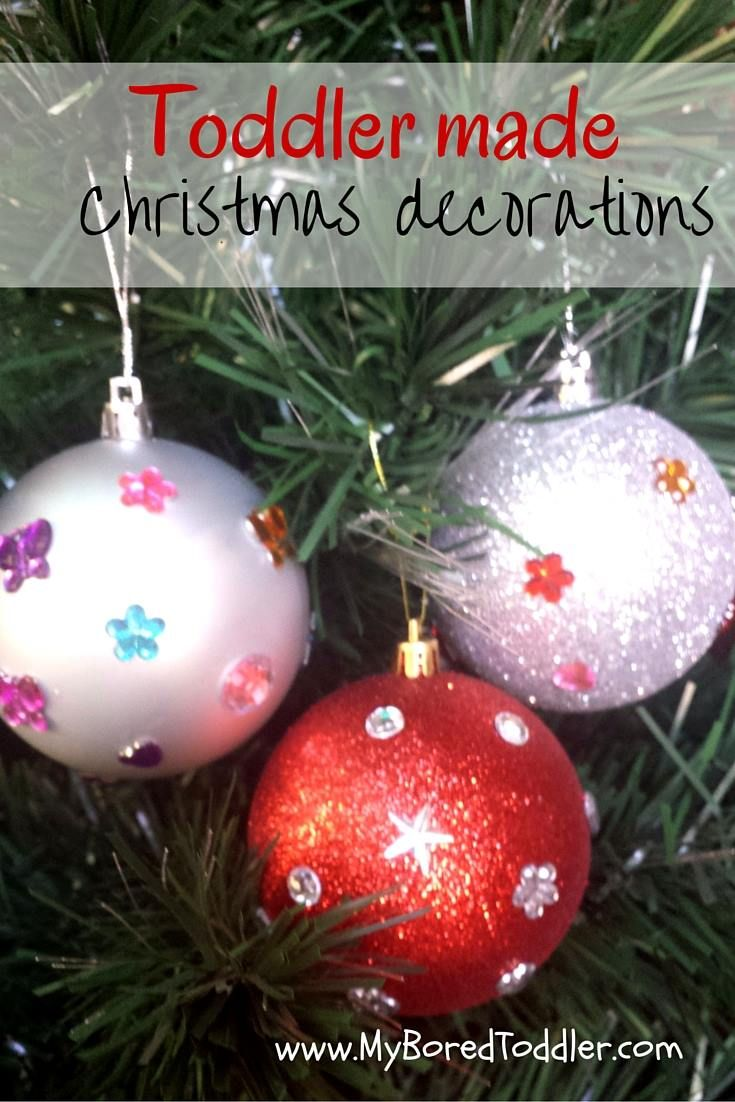 Toddler Christmas Craft - these cute toddler made decorations are great to hang on the tree or to give as Christmas gifts.