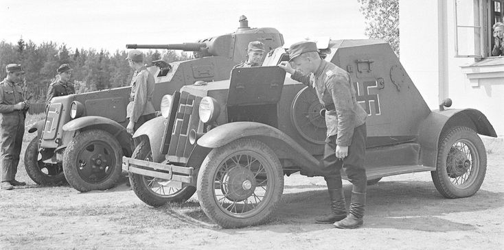 D-8 car R-6 and BA-10 or BA-10Mbehind it. R-6 was the only D-8 armoured car taken to Finnish use and it did not see any combat use.