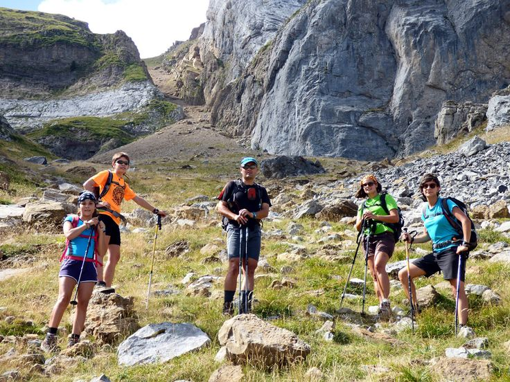 CRÓNICAS   MONTAÑERAS: Zapatilla 2252 m. y Sima de Tortiellas