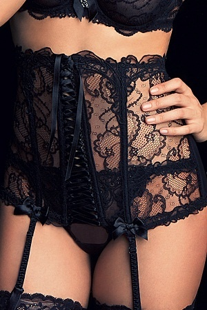 Black lace    if i had my body back i could totally rock this look in bed no prob :D
