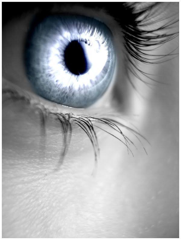 Vibrant gray eyes