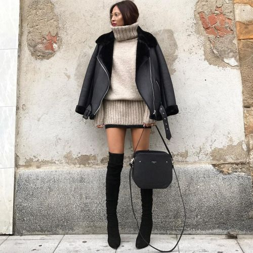 Chic winter outfit by @Olaizolov wearing aviator jacket, oversized sweater and Zara over the knee boots.