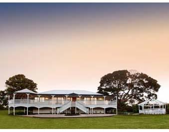 Classic Queenslanders Home Designs: Longreach. Visit www.localbuilders.com.au/builders_queensland.htm to find your ideal home design in Queensland