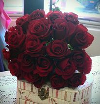 simple red rose bouquet
