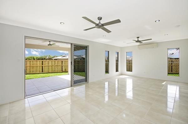 Living Area  www.martinlockehomes.com.au  Townsville's Award Winning Builder