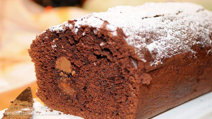 Dúvidas em como fazer um bolo fofinho e que não grude na fôrma?! Siga essas…