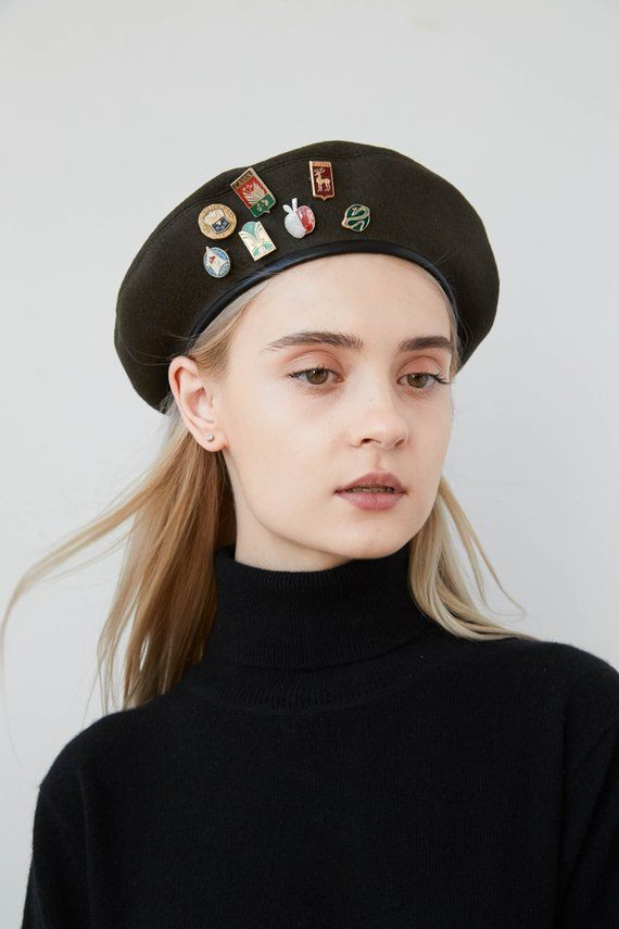Khaki wool beret with leather trimming bc29df66269