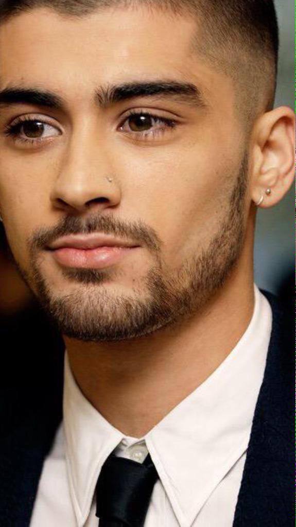 Buzz cut , Nose pierced and First public appearance since he quit 1D at the Asian Music Awards in London (April.18,2014)