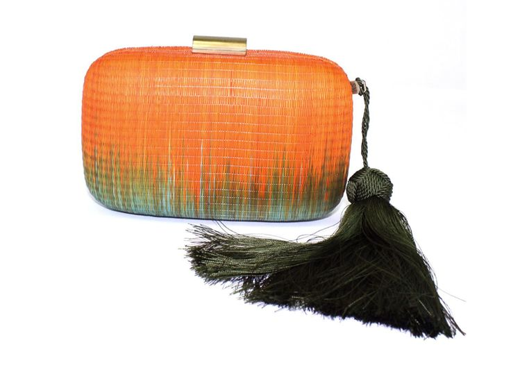Orange and Green Ombre Clutch Straw Bag with Hinge Closure and Optional Chain Strap Designer: Serpui Marie Condition: New with Tags Measurements: Height: 4.5in £150