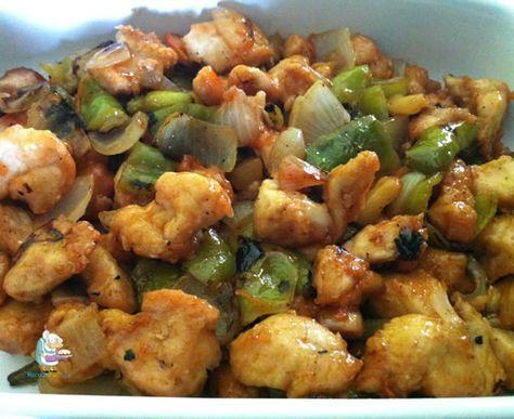 Pollo agridulce, más rico que el que puedes comer en un restaurante chino, y con una calidad enorme! Rápido de preparar, y riquísimo acompañado de un poco de arroz blanco cocido.! Receta completa
