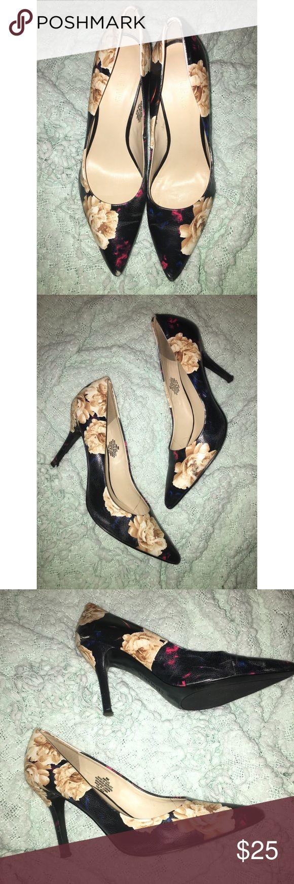 NINE WEST Women's Pumps NINE WEST Brand New Classic Floral Pumps Size 9 Nine West Shoes Heels