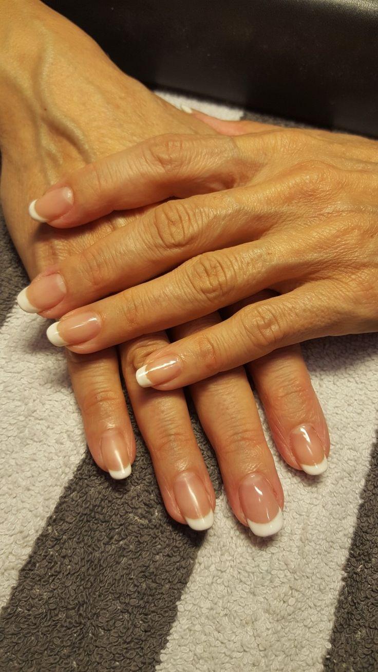 French manicure met soak off gel super white en i gel nr 40 op de natuurlijke nagels