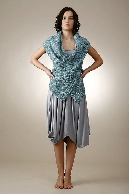 Bagdi Kata Hungarian fashion designer | boldcolorglass.com