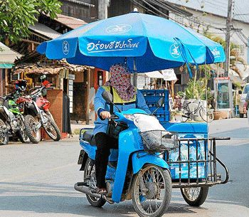 Resultado de imagen de street food motor bike